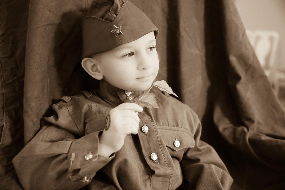 Детский фотограф . Дети в военной форме СССР . Фотограф Галина Бойко.