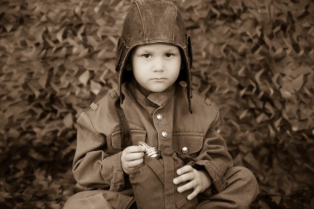 Детский фотограф. День Победы. Дети в военной форме